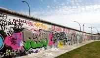 Mur de Berlin recouvert de graffitis. Berliner Mauer.